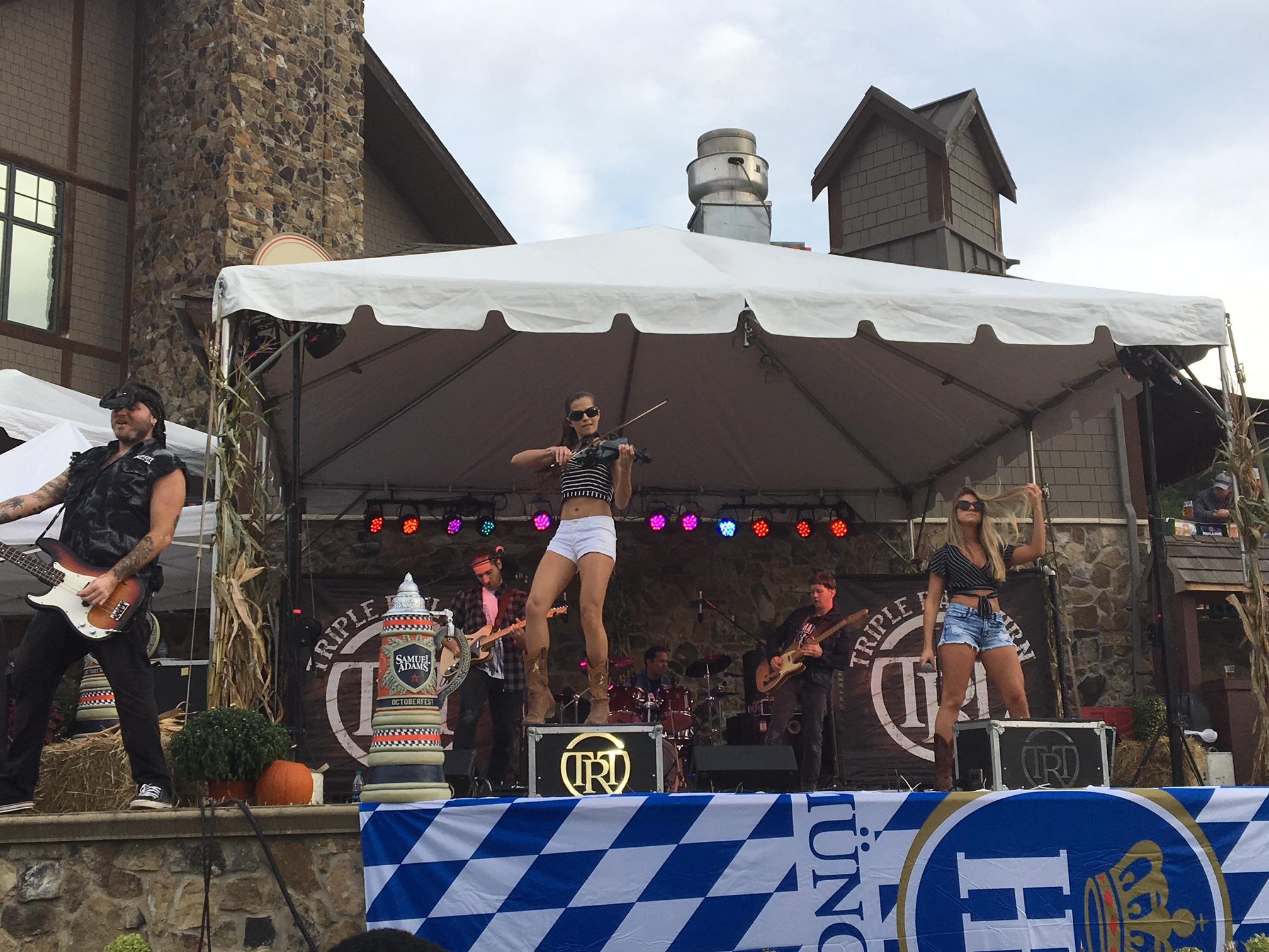 Tripple rail turn performing Oktoberfest 2018